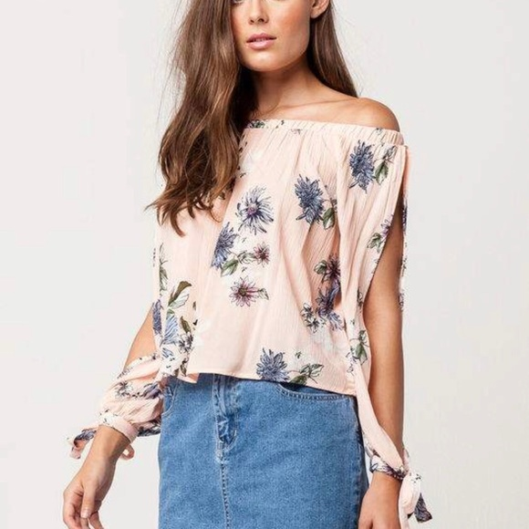 ced9ef4ad3f h.i.p. Tops - H.I.P. Pink Floral Off Shoulder Split Sleeve Top